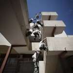 fitness2xtreme-images-parkour-scaling-the-building-fl